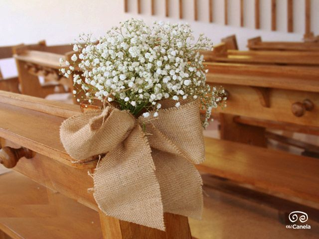 Detalle floral bancos capilla - Oh Canela